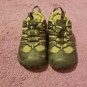 Keens Koven Kids Size 13 Waterproof Hiking Shoes